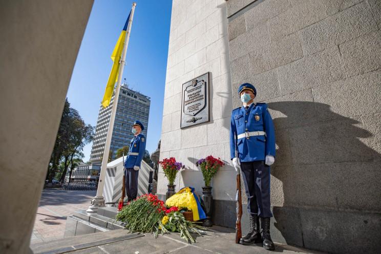 В Киеве почтили память нацгвардейцев, по…