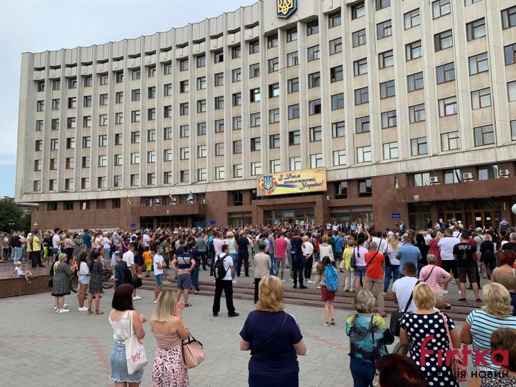 У Франківську сотні людей протестують пр…