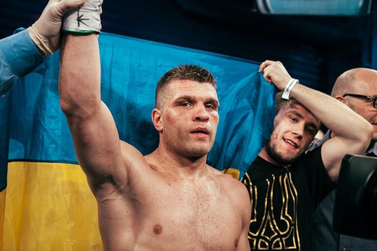 """""""Я його нокаутую"""": Український боксер в…"""