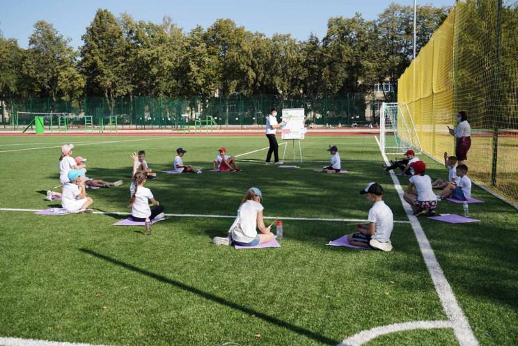 У Вінниці відкрили оновлений стадіон шко…
