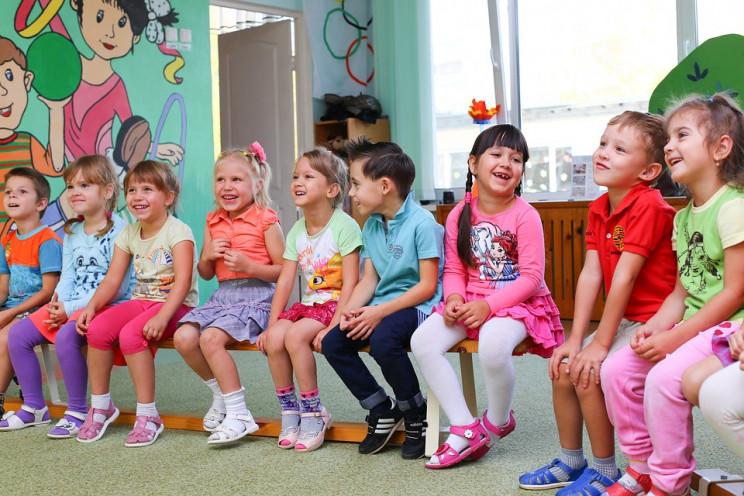 У Києві одразу чотири дитсадки пішли на…