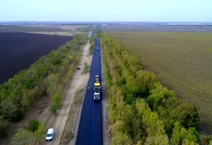 Одеські шляховики заасфальтували найвбит…