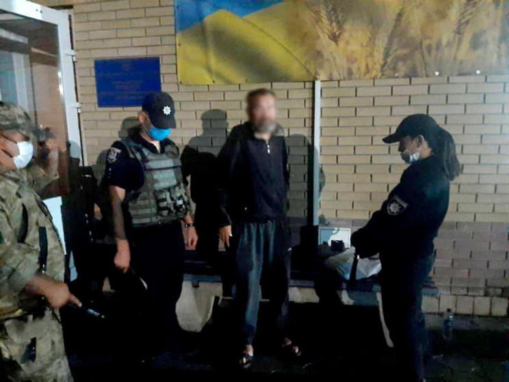 На Луганщині затримали злочинця, який на…