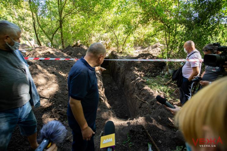 Військовий цвинтар, який знайшли у Вінни…