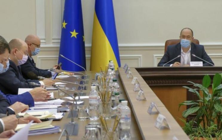 Уряд дозволив в'їзд до України ще одній…