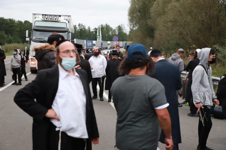 ДПСУ закрила пропускний пункт на кордоні…