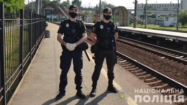 Поліцейські Хмельниччини залишаються в а…