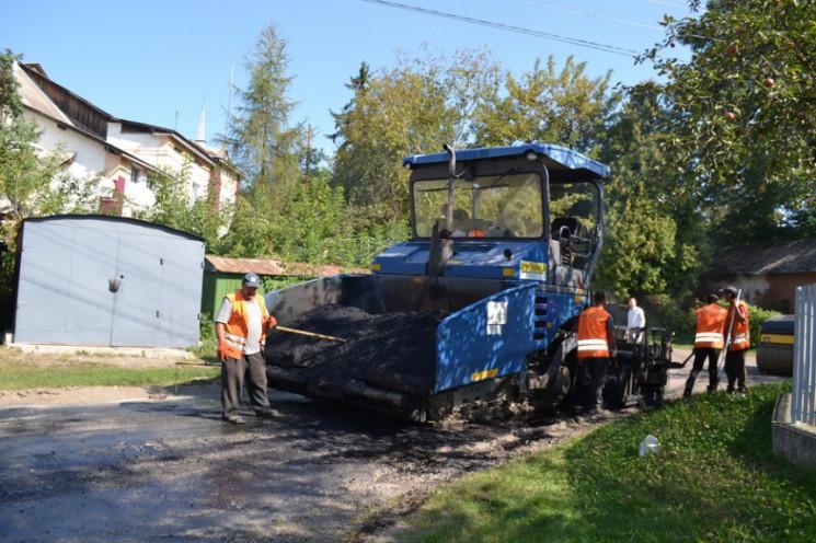У Тисмениці відремонтували дороги, які з…