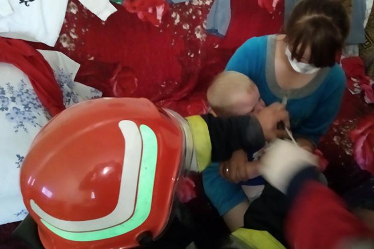 У Славуті малюк запхав руку у шатківницю…