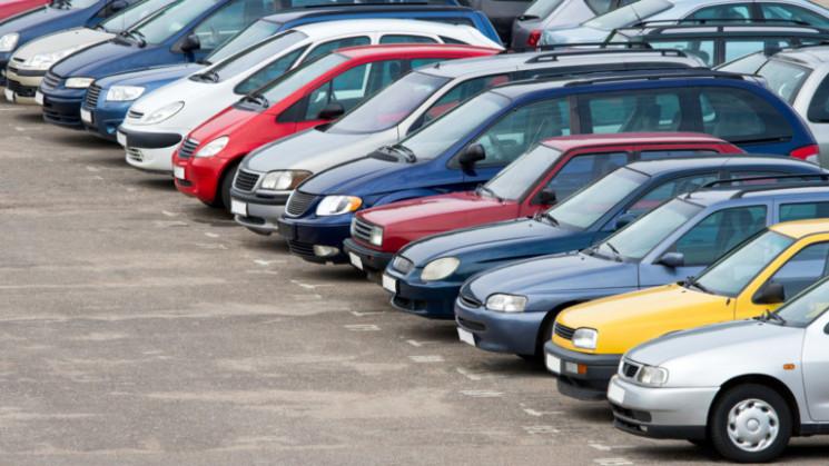 Які вживані автомобілі українці купують…