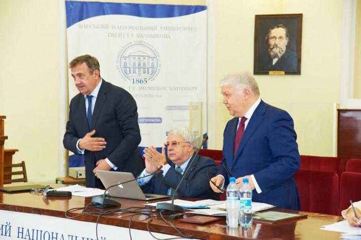Ректор Одеського університету йде до міс…