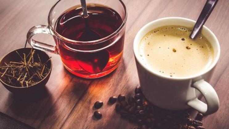 Чай або кава: Що корисніше пити вранці…