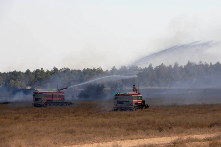 На Херсонщине загорелся военный полигон…