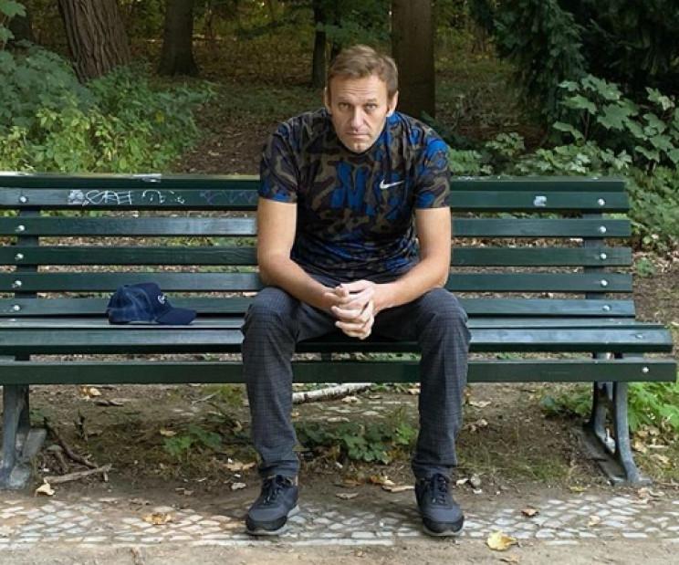 Навальний вийшов з лікарні і розповів, ч…