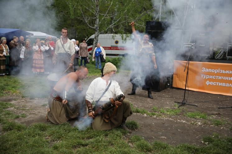 У Запоріжжі залпом козацької гармати від…