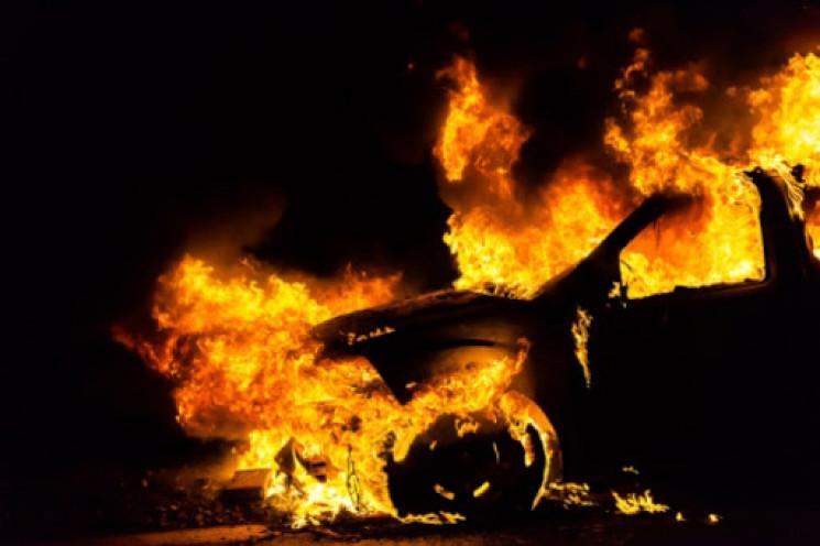 В обласному центрі згорів автомобіль…