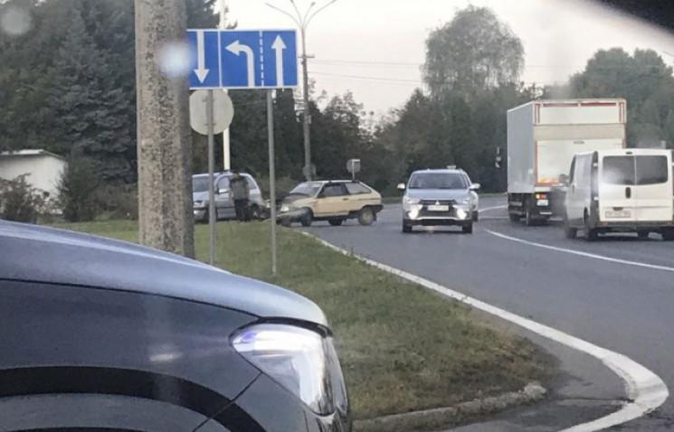 На виїзді з Мукачева сталася аварія…