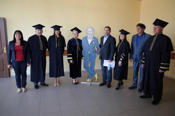 Східноукраїнський університет імені Даля…