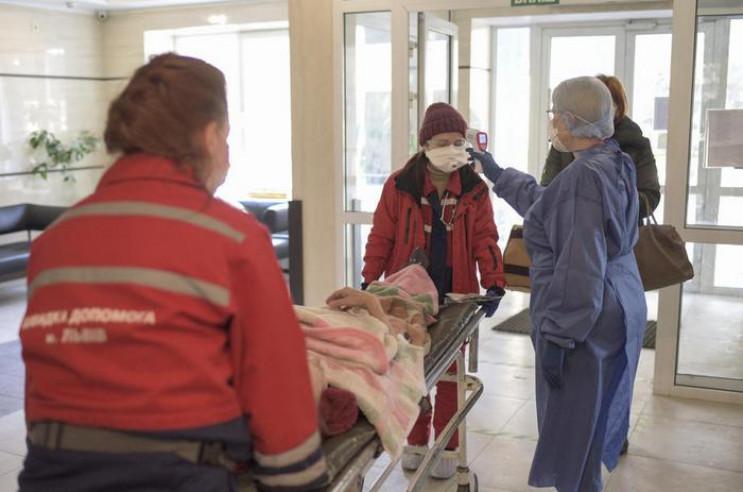 За добу понад 300 киян захворіли на коро…