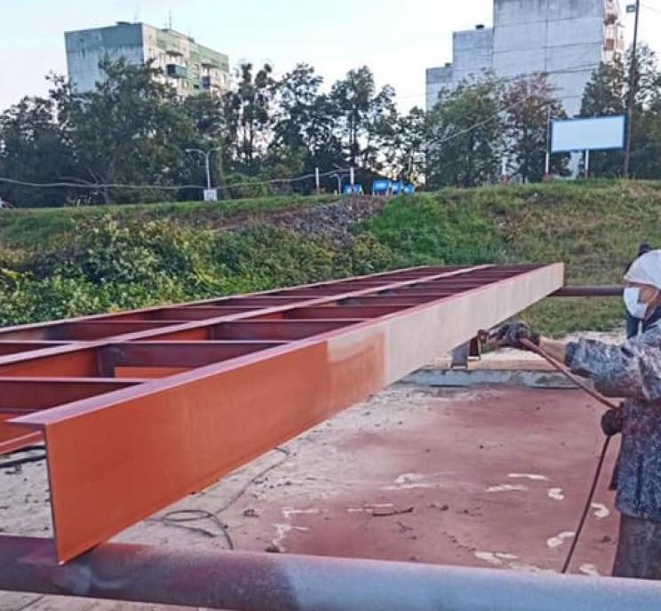 В Мукачево строят пешеходный мост через…