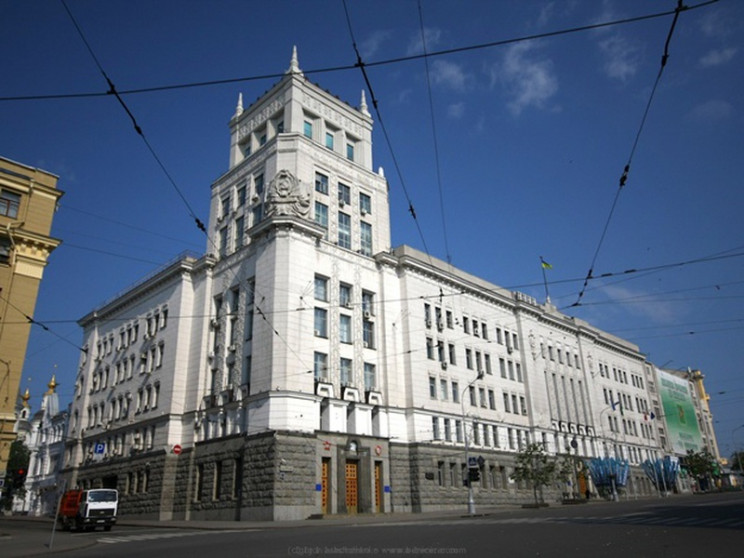 В Харькове на неопределенный срок перене…