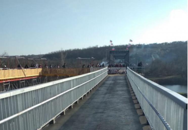 """В Станиці на блокпості """"ЛНР"""" викрали чол…"""