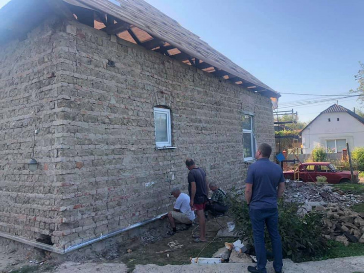 На Ужгородщині взялися за ремонт школи…
