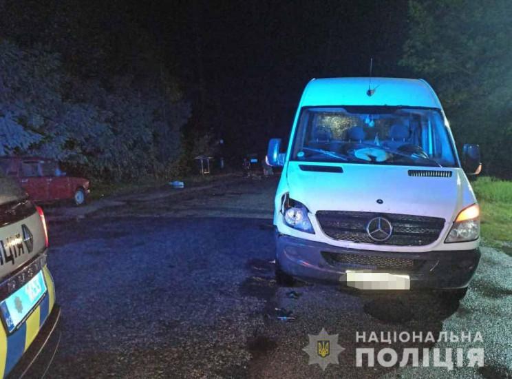 Вночі у Жмеринському районі мікроавтобус…