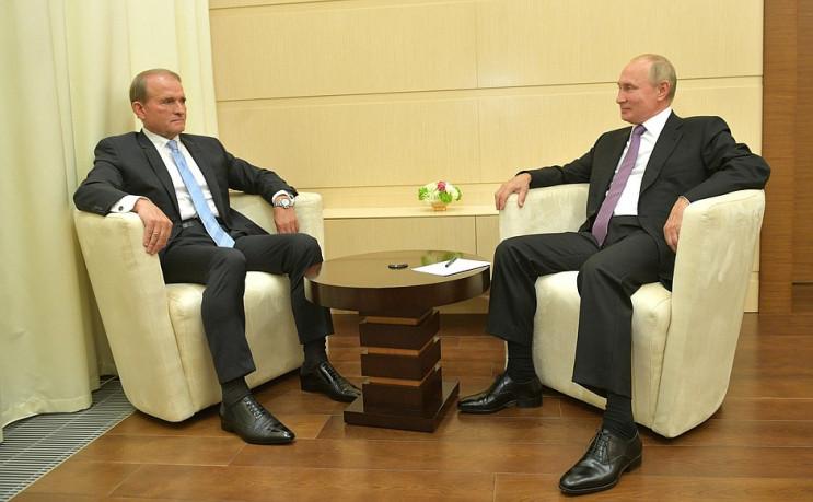 Анти-самміт: Для чого Путін викликав Мед…