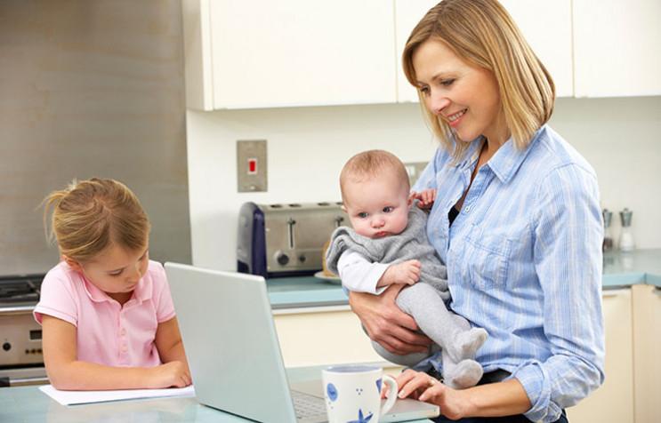 Материнство кар'єрі не завада? Чи допомо…