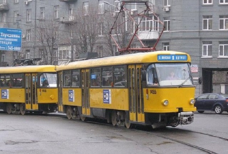 У Дніпрі кондуктор трамваю забризкала па…