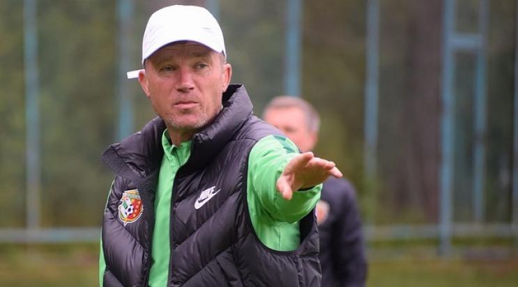 Тренер і п'ять гравців клубу УПЛ підхопи…