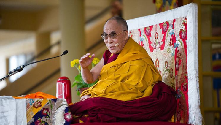 Далай-лама XIV вперше поспілкується з жи…