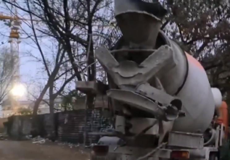 У Києві бетономішалка вчинила ДТП: Пом'я…