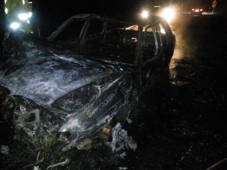 На херсонській трасі вщент згоріла автів…