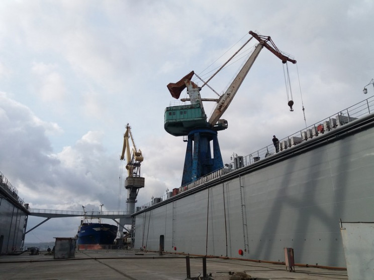 Херсонский завод получил контракт на стр…