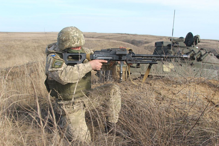 На Донбассе три обстрела: Возле Авдеевки…