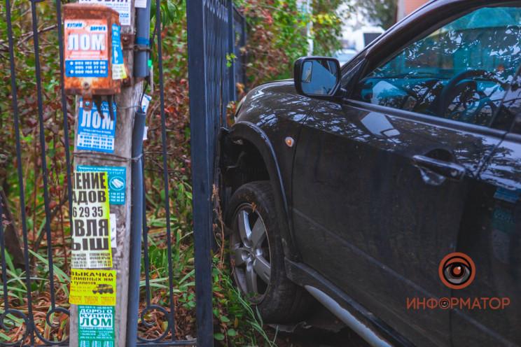 Госпіталізували водія: У Дніпрі автівка…
