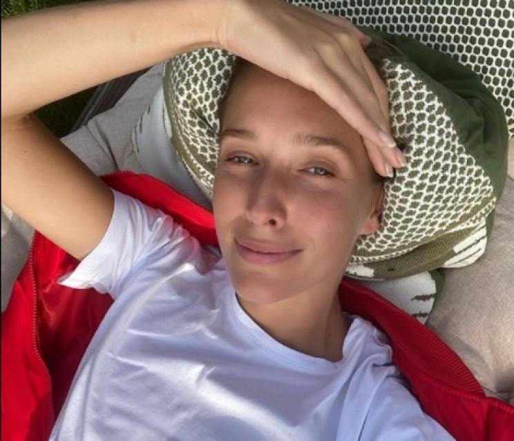 Катя Осадчая в купальнике помечтала о мо…