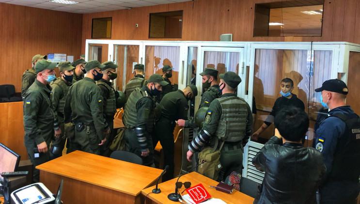 На судебном заседании в Одессе семь узни…