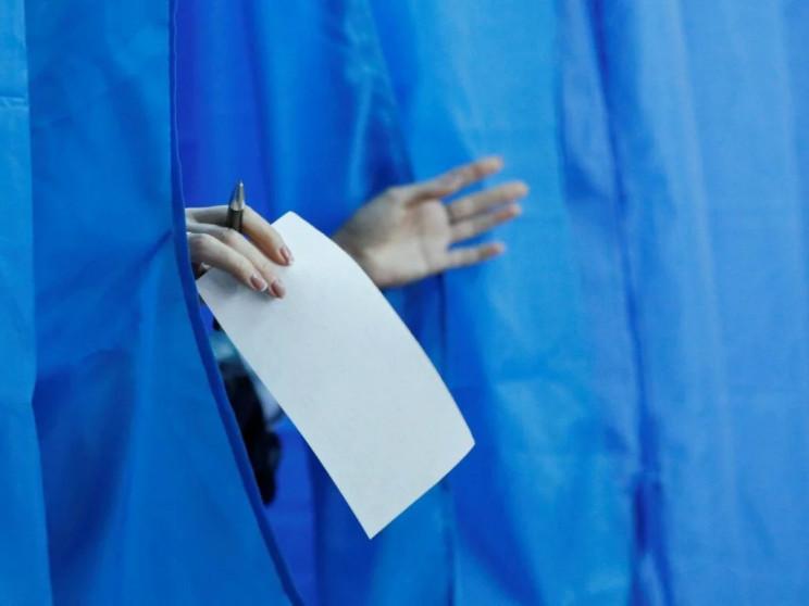 На Харьковщине выбирают мэров и депутато…