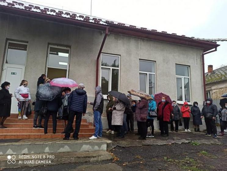 В Ужгороде на одном из избирательных уча…