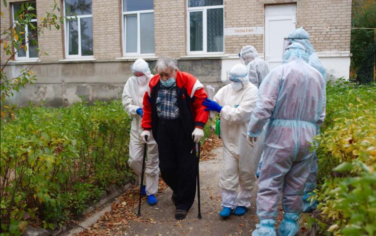 В Северодонецке больные COVID-19 медики…
