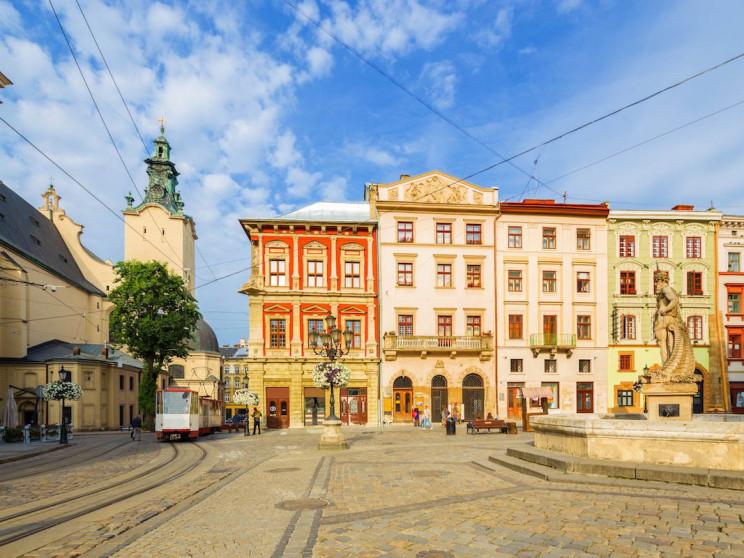 Во Львовский районный совет проходят пят…