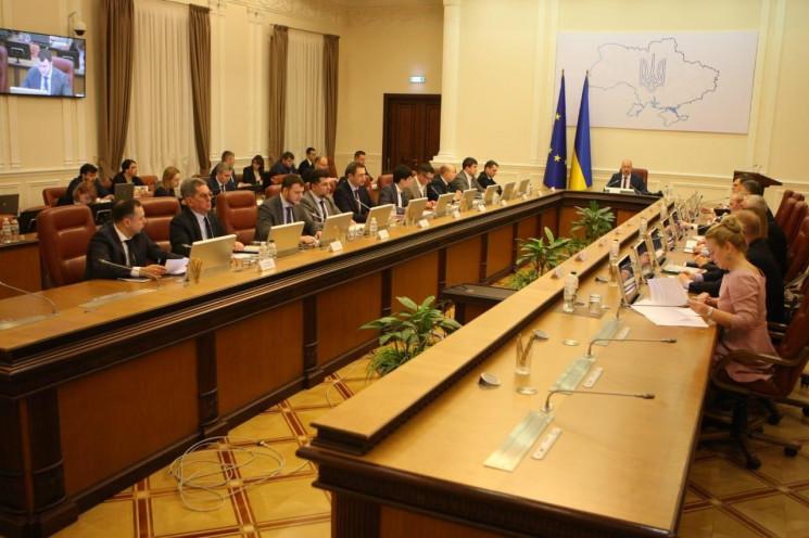 В Украине хотят продлить чрезвычайный ре…