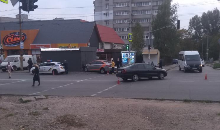 В Днепре автомобиль из-за столкновения в…