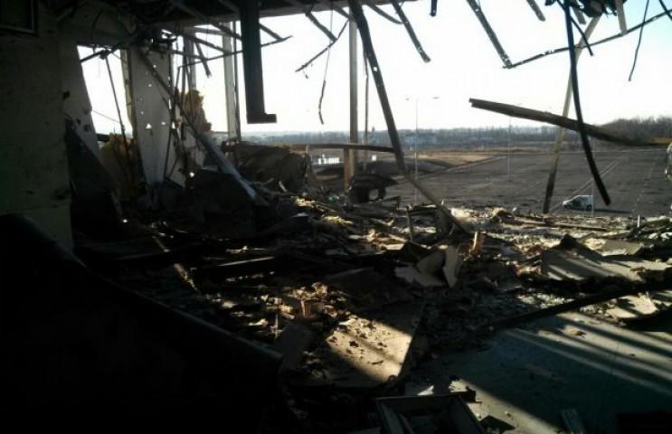Наблюдатели ОБСЕ обнаружили в разрушенно…