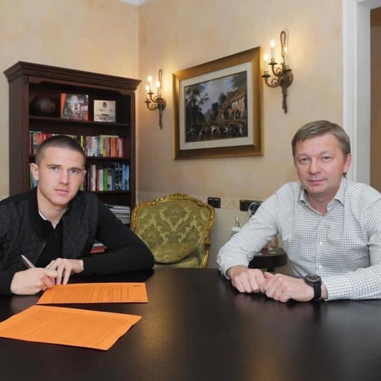 Новачок збірної України надовго пов'язав…