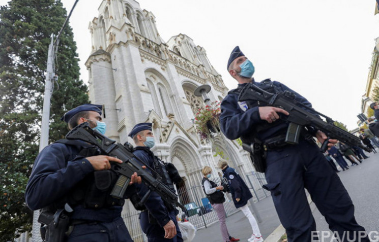 Во время теракта в Ницце погибла граждан…