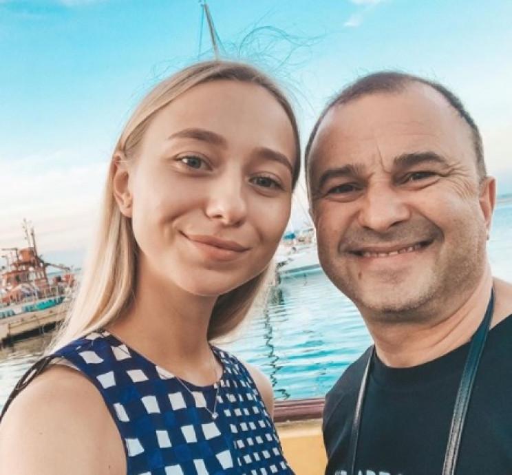 Молода дружина привітала Віктора Павліка…